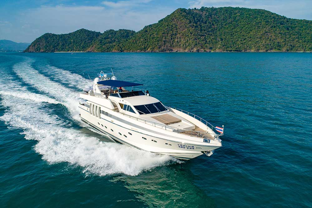 private yacht tour phuket